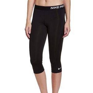 Nike Women's Pro Capri Pant